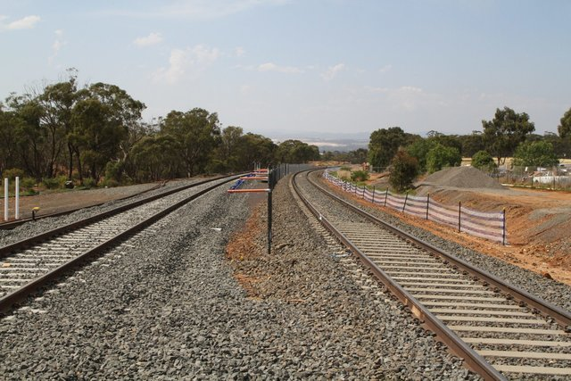 Yard track (L) and main line (R) at Kerrs Road in Maddingley