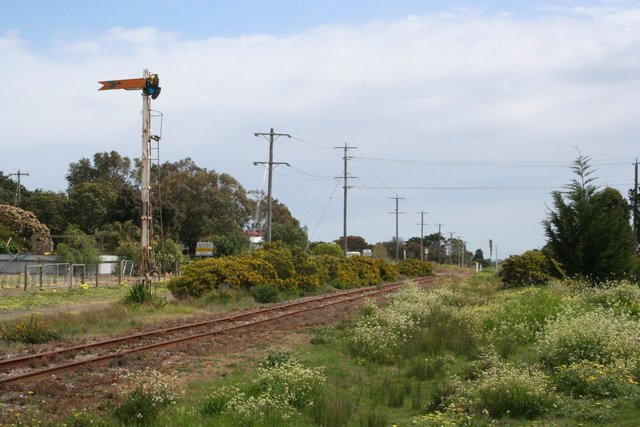Up distant signal at Drysdale