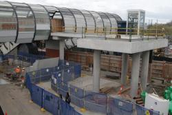 Footscray Station: Switchback path between the footbridge and the new escalators to platform 2 and 3