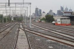 Crossovers to enable trains from the North Melbourne suburban tracks to access RRL and the North Dynon goods lines