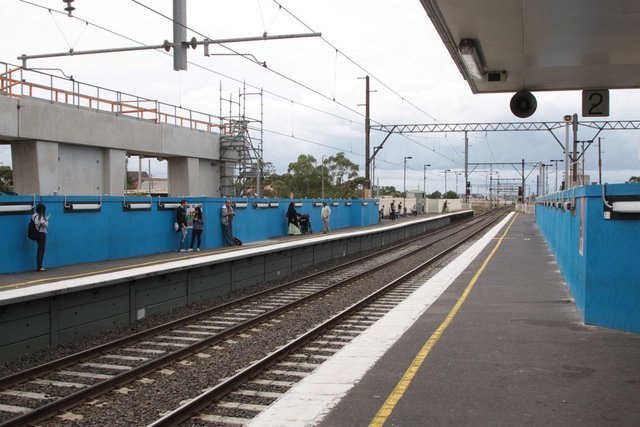 Looking up the line from the existing suburban platforms